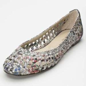 Moda-ecológica-Zapatos-con-papel-reciclado