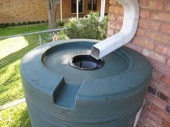 Cu les son los mejores sistemas para recuperar el agua de - Recoger agua de lluvia ...