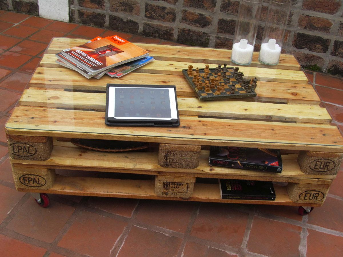 C mo reciclar y decorar con lo viejo ideas f ciles y for Muebles con tarimas o pallets