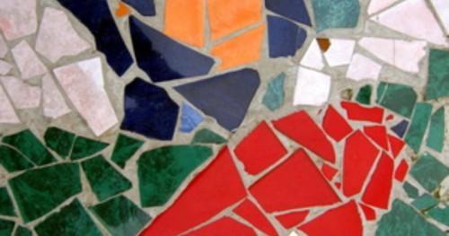 Decoraci n de pisos con trozos de cer mica im genes for Decoracion en ceramica artesanal