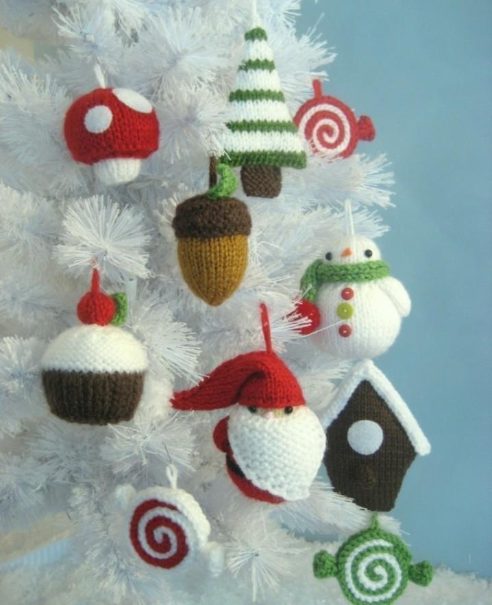 lanaadornos-navidad-tejidos-lana-arbol-blanco