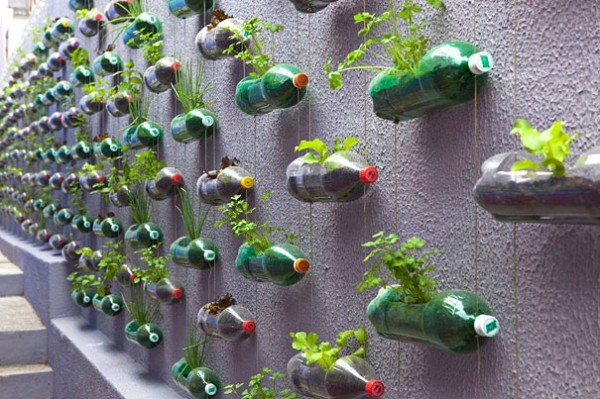 plastic-bottles-recycling-ideas-11-600x399