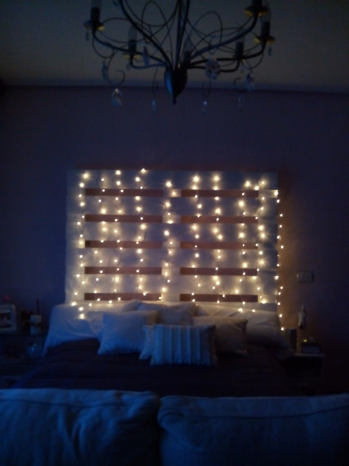 Ideas para hacer muebles reciclados cama con palets ecolog a hoy - Luces led para cuartos ...