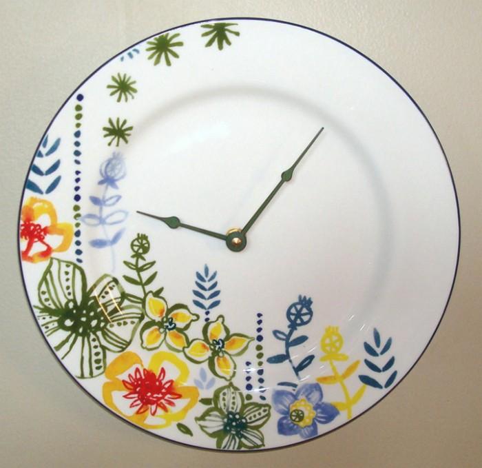 Ideas para hacer un reloj casero reciclado ecolog a hoy - Hacer reloj de pared con fotos ...