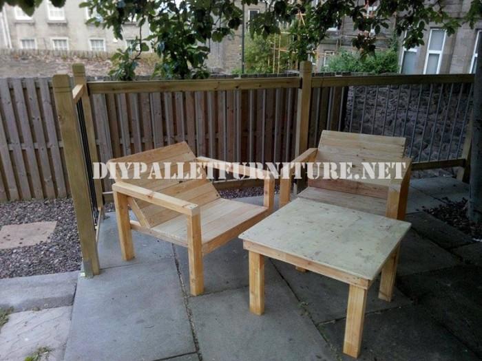 Sillas de exterior para terraza con palets 1