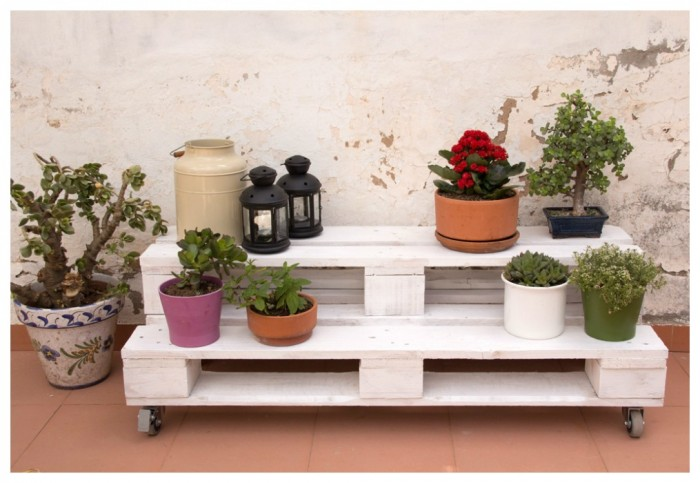 Im genes con ideas para decorar el jard n con palets for Guarda cosas para jardin