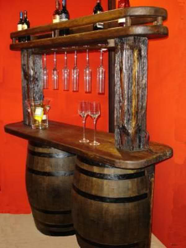 Ideas super originales para el hogar con barriles for Bar barril de madera
