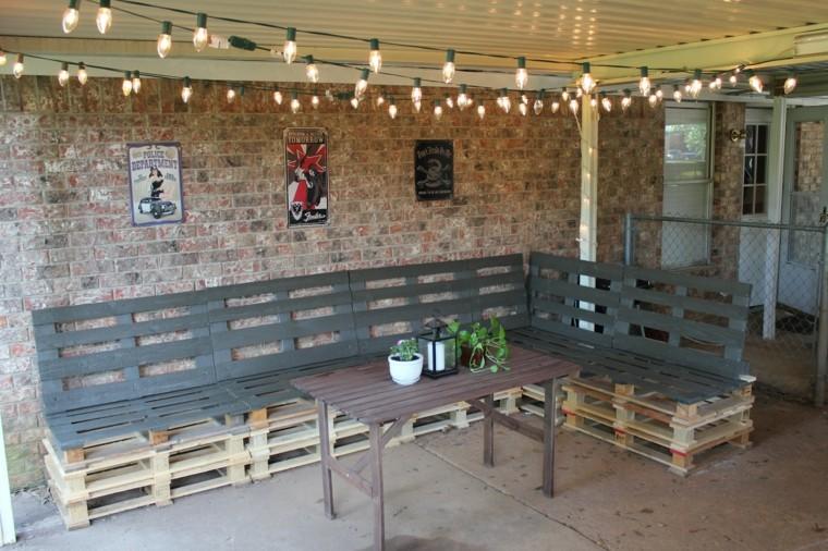 muebles-hechos-con-palets-bombillas-plantas