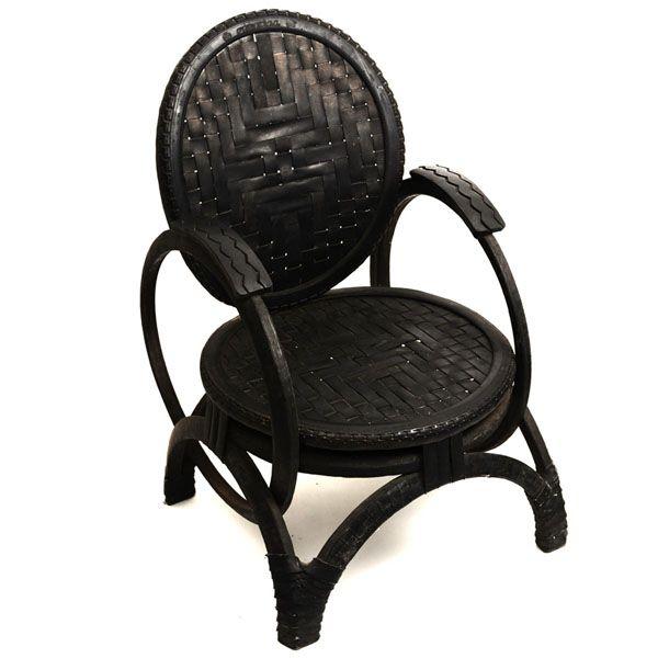 Hermosos sillones y banquetas hechos con ruedas de coches for Reciclado de sillones
