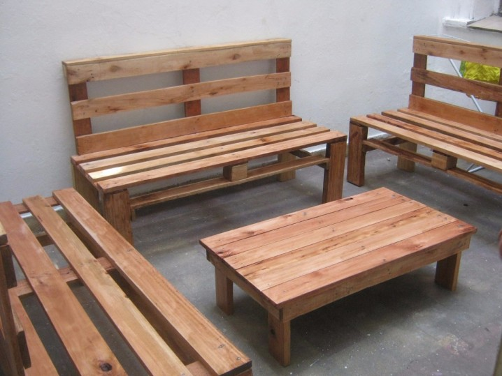Ideas super originales para hacer sillones ecol gicos - Como hacer sofas de palets ...