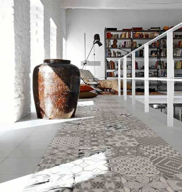Decoraci n de pisos con trozos de cer mica im genes - Como poner baldosas en el piso ...