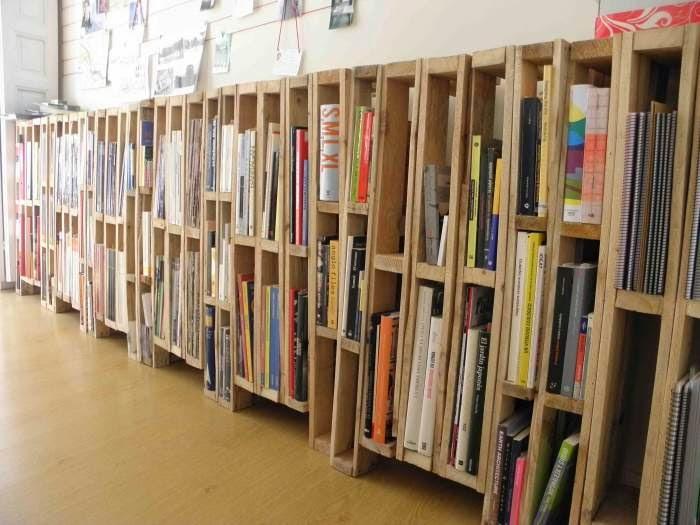 Ideas super originales para hacer bibliotecas con palets - Estanterias diseno para libros ...