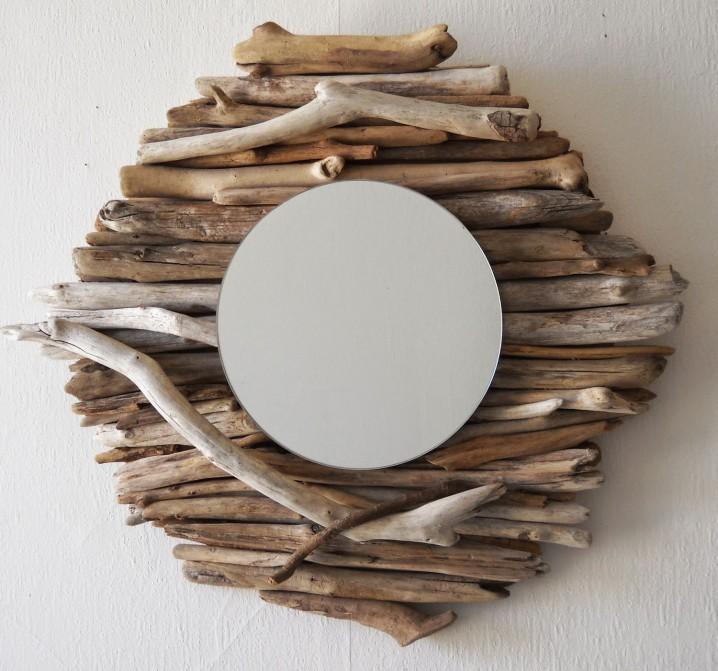 originales espejos hechos con materiales reciclados
