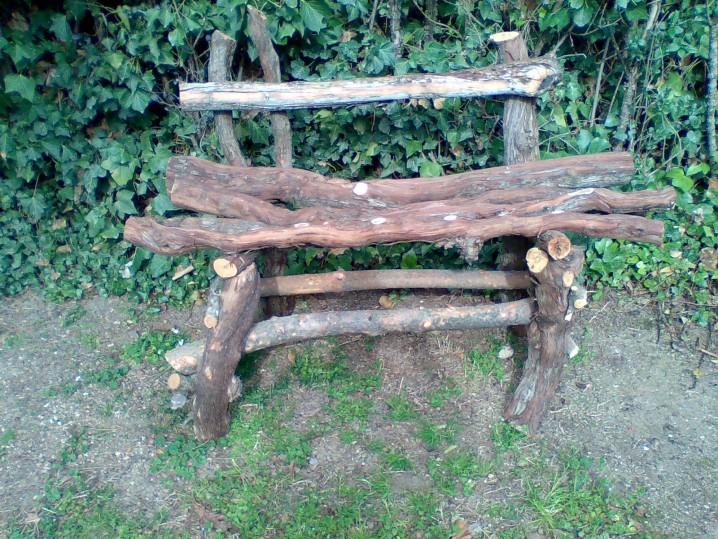 Bancos y sillas hechos con troncos ideas super originales for Como hacer un jardin rustico