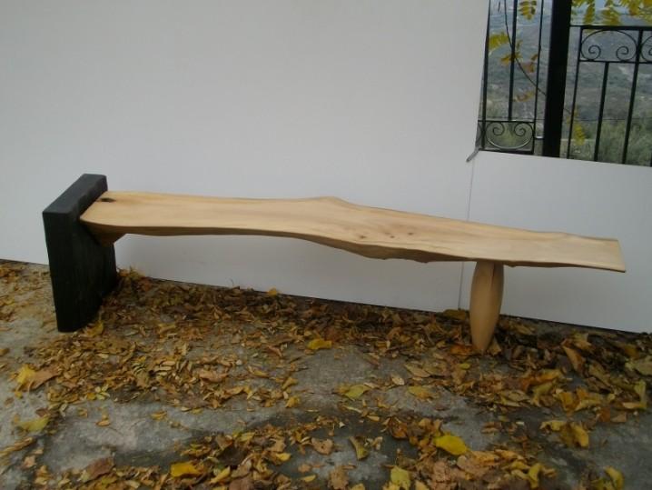 Bancos y sillas hechos con troncos ideas super originales for Muebles de piedra para jardin