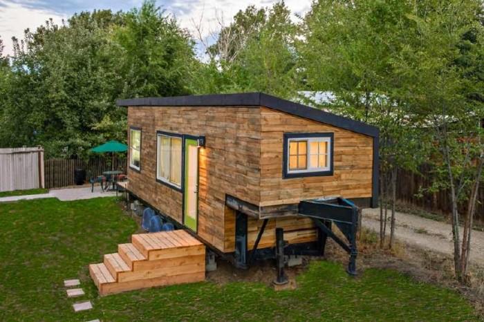 casa-movil-con-pallets-de-madera-reciclados-700x466