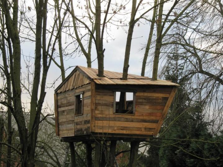 casa_en_el_arbol_palets_madera_construccion_6