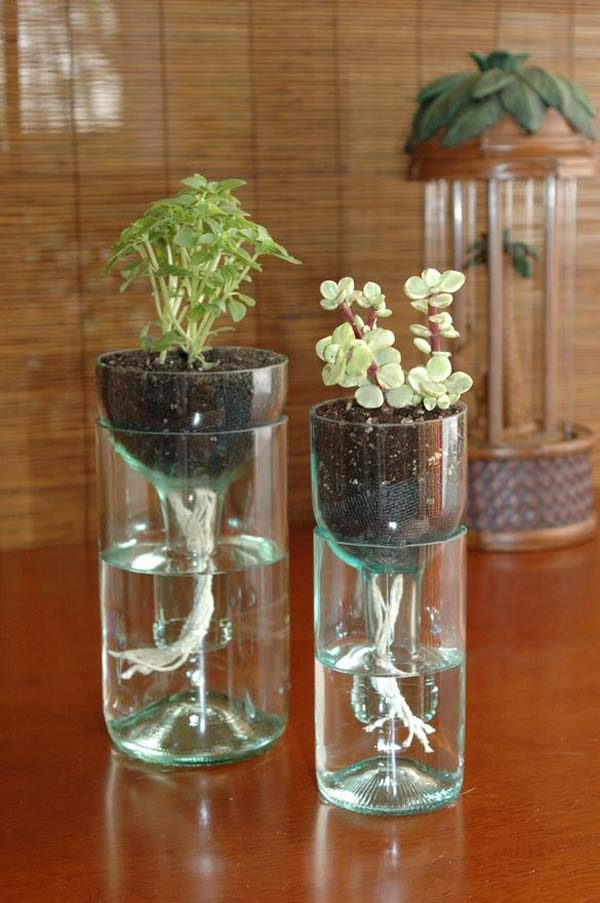 16-ideas-para-reciclar-botellas-de-plastico-maceta-autoriego-600x903