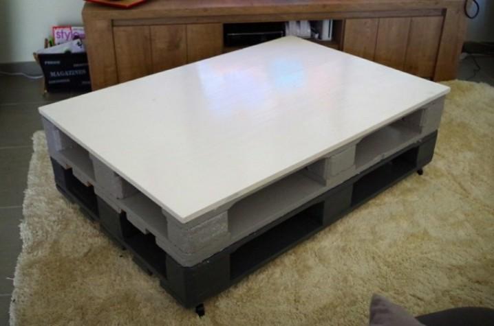 blanco-ruedas-mesa-alfombra