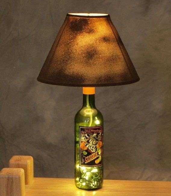 botella-reciclada-con-forma-de-lampara