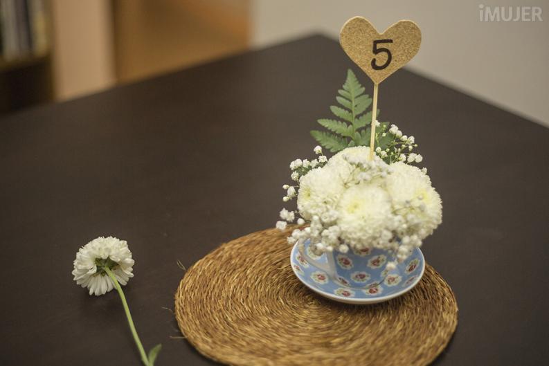 45 centros de mesa para bodas con materiales reciclados for Centro de mesa para casamiento economicos
