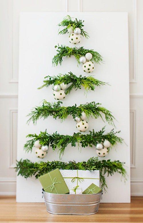 Decoraci n navide a con papel frascos pi as telas y - Adornos de navidad con material de desecho ...