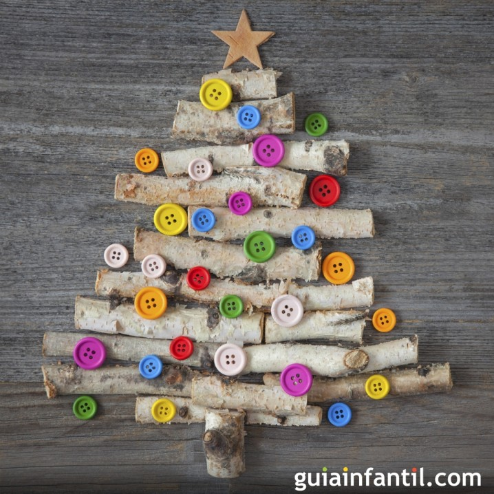35825-arbol-de-navidad-con-ramas-y-botones-para-ninos