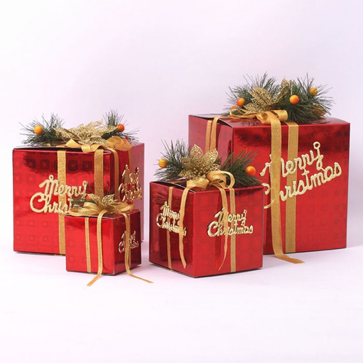 Regalos reciclados para navidad con tela cart n frascos - Arbol de navidad con regalos ...