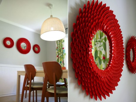 50 marcos de espejos hechos con materiales reciclados for Ideas para decorar un espejo grande