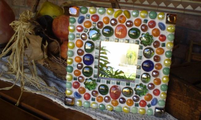 espejo-con-vidrios-de-colores