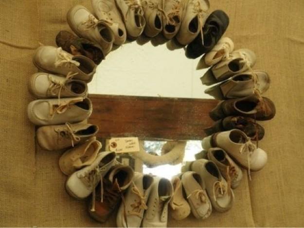 espejo-hecho-con-zapatos