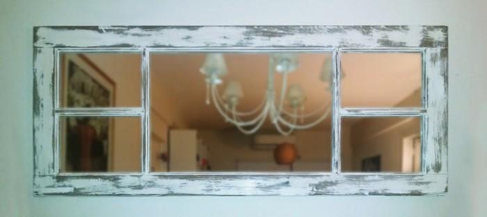 50 marcos de espejos hechos con materiales reciclados for Decoracion con muchos cuadros