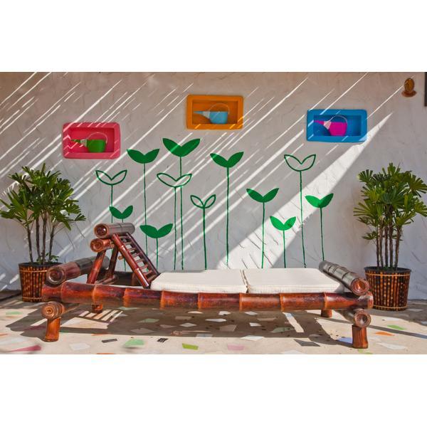 C mo reciclar y constru r un sill n con material de for Como decorar un patio con pileta