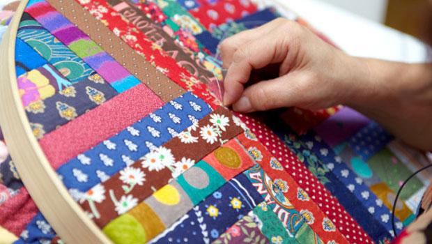 Pr cticas ideas para reciclar ropa vieja customizado ecolog a hoy - Como hacer pachwork ...