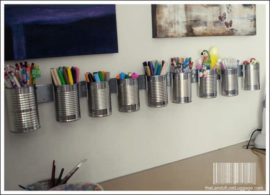 latas recicladas para dar orden a tu oficina ecolog a hoy. Black Bedroom Furniture Sets. Home Design Ideas