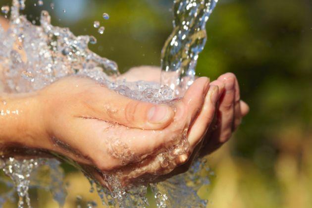 Agua-potable-a-todo-el-mundo