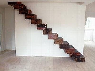 escalera-madera-desechos-perfil