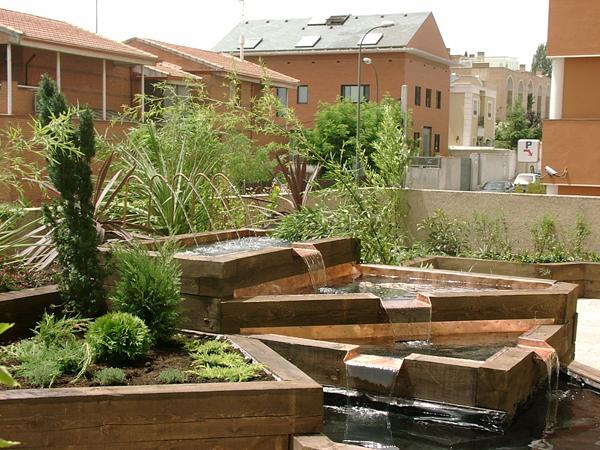 Palets reciclados para decorar tu parque o tu casa mil - Palets decoracion jardin ...