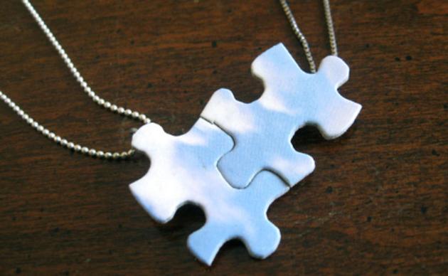 collar-romantico-de-puzzle