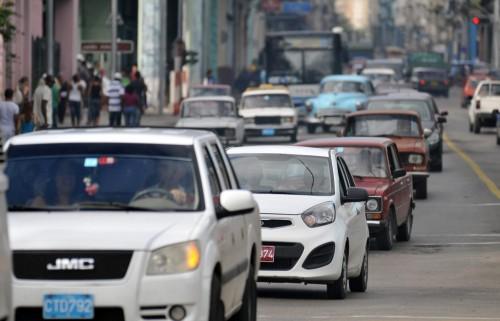 Cuba-da-otro-paso-en-sus-reformas-y-flexibiliza-la-venta-minorista-de-autos