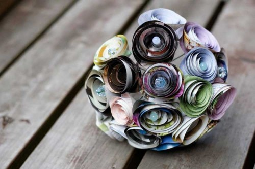 Ramo-ecologico-con-papel-de-revista-casamenteras