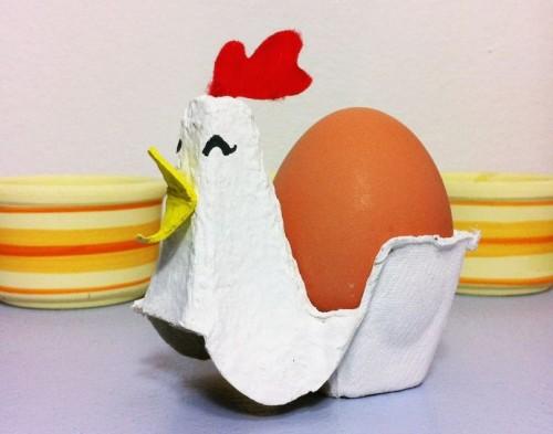 cartonGallinita-de-carton-con-huevo