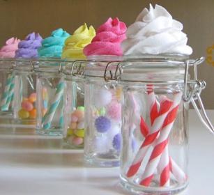 Ideas tiles para reciclar frascos de vidrio y darles uso for Ideas con frascos de vidrio