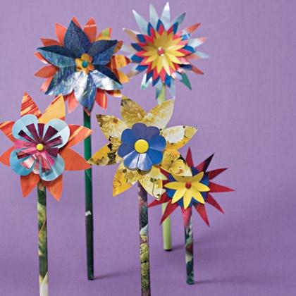 flores-con-revistas-recicladas2