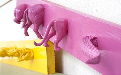 perchero2-infantil-con-animales-de-juguete-reciclados-en-arteneus