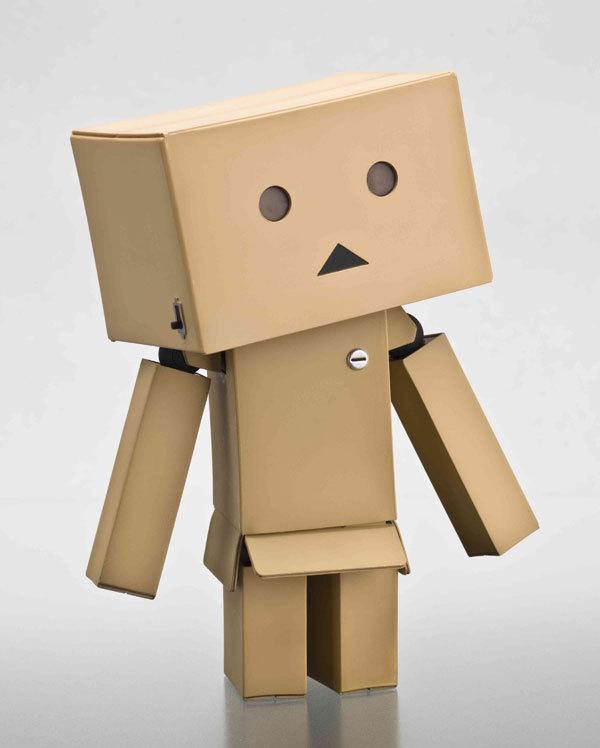 Cartón-juguetes-de-regalo-1-unidades-Revoltech-Danbo-Danboard-logotipo-de-japón-versión-caja-figura-2015