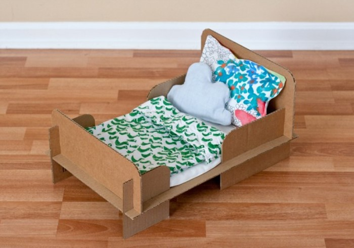 cartonjuguetes-caseros-cama