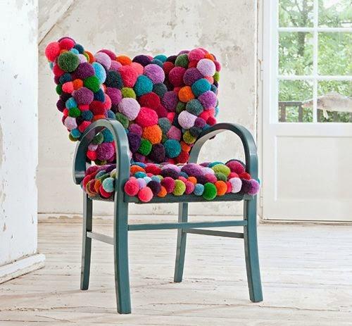 lanasilla-decorada-con-pompones