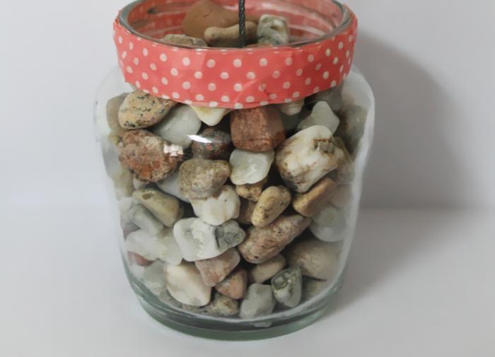 piedrasdecorar-jarrón-piedras-diy-3