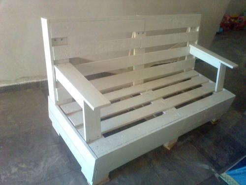 Im genes de muebles hechos con palets reciclados for Bancos de jardin hechos con palets
